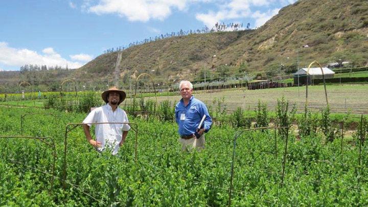 Ruben Orozco, 總監, Esmaralda Hilsea Investments of Guayllabamba  Peter Ullrich, 主席, Esmeralda Farms